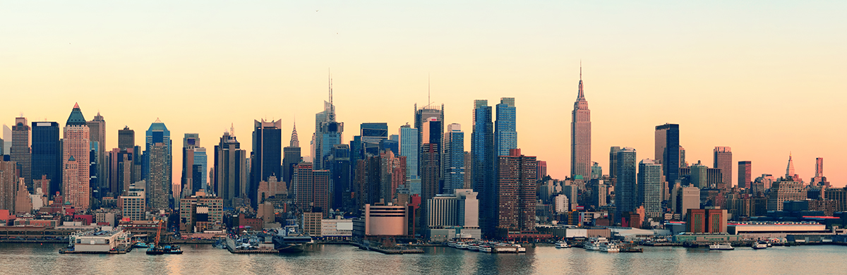 New York City midtown Manhattan sunset skyline panorama view ove